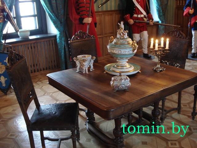 Из французского замка - в Ружаны. Во дворец Сапегов едут уникальные предметы ХVIII-XIX веков (фото)