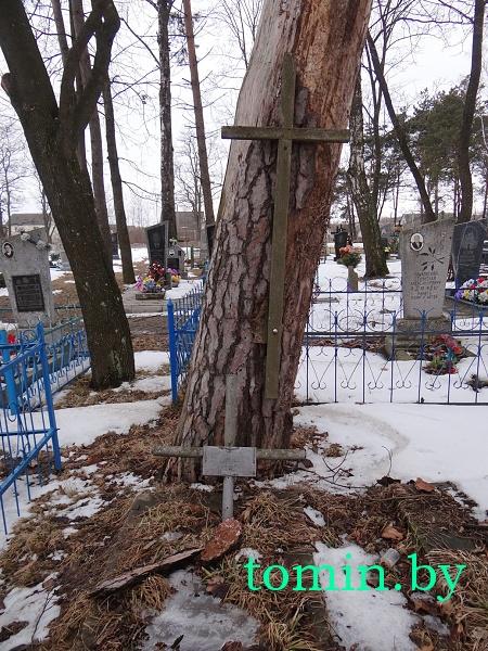 В Пружанах не ухожена могила врача, имя которого носила улица города - фото
