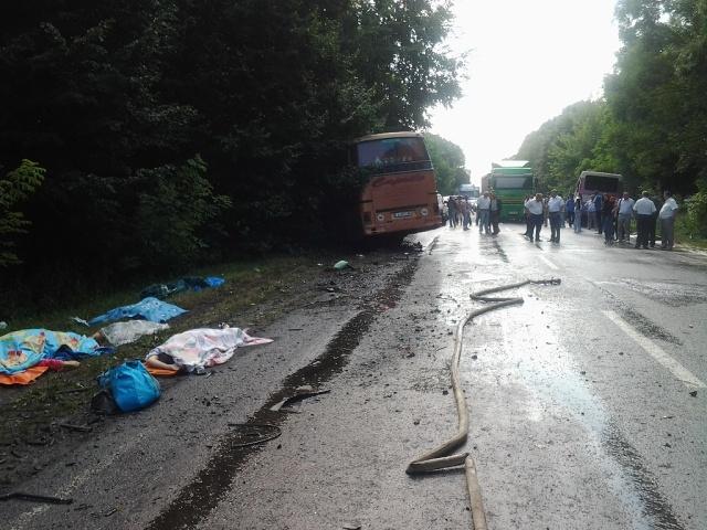 В Украине столкнулись рейсовый и туристический автобусы. Среди пострадавших - белорусы (фото)