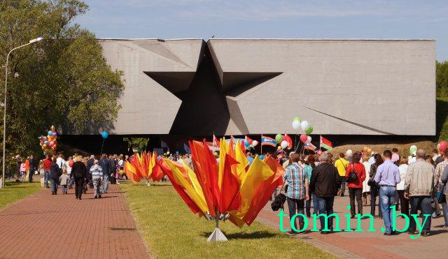 Брестская крепость, День Победы, 2014 год. Фото  Тамары ТИБОРОВСКОЙ.