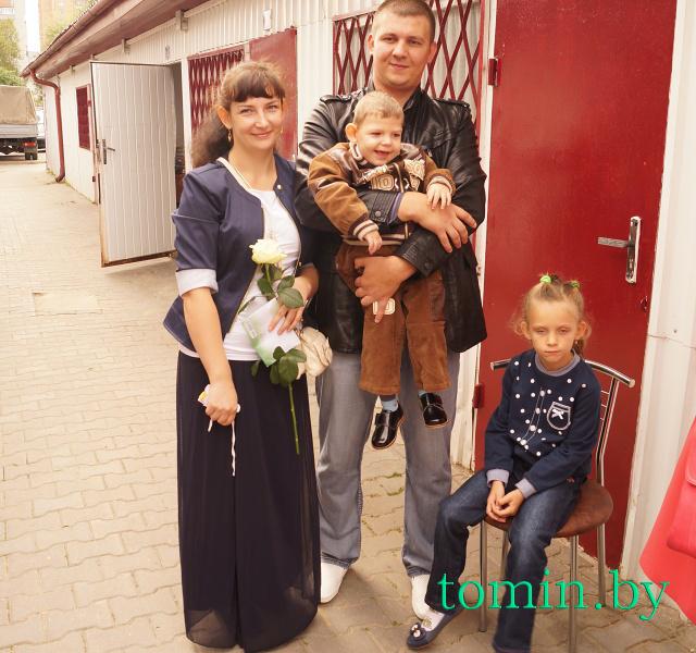 Семья Артема Колесникова. Фото Тамары ТИБОРОВСКОЙ