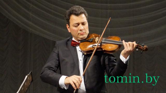 Скрипач Тигран Майтесян.  Фото Тамары ТИБОРОВСКОЙ