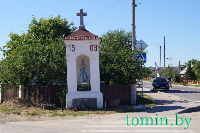г. Высокое Каменецкого района. Каплица в центре города, возведена в 1909 году. Фото Тамары ТИБОРОВСКОЙ.