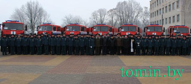 Семь новых 10-тонных автоцистерн введены в боевые расчеты Брестского областного УМЧС - фото