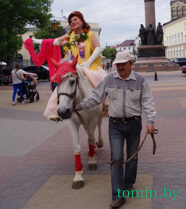 Художница Наталья Черноголова. Фото Тамары ТИБОРОВСКОЙ