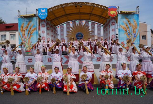 Фестиваль-ярмарка «Дожинки» в Дрогичине. Фото Тамары ТИБОРОВСКОЙ.