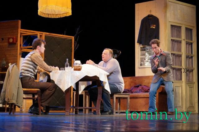 Премьера комедии «Старший сын» в Брестском академическом театре драмы. Фото Тамары ТИБОРОВСКОЙ