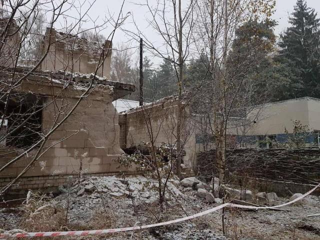 В Могилеве на детей упала железобетонная плита перекрытия в недостроенном частном доме на ул. Загородное шоссе - фото