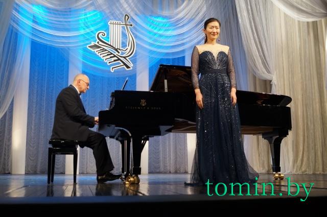 Певица Гэлимен Чжу (сопрано). За роялем Игорь Оловников. Фото Тамары ТИБОРОВСКОЙ