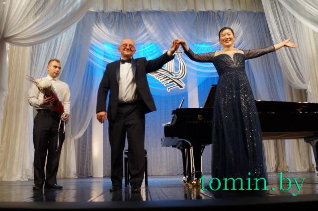 Игорь Оловников и Гэлимен Чжу . Фото Тамары ТИБОРОВСКОЙ