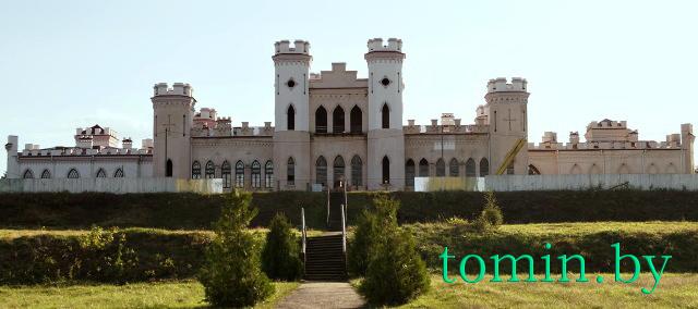 Дворец Пусловских в Коссово. Сентябрь 2014 года. Фото Тамары ТИБОРОВСКОЙ